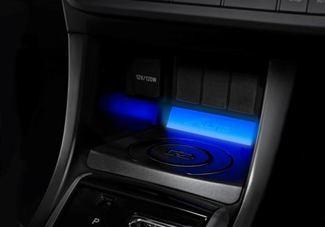 2018 Toyota Camry >> ALTIS 無線手機座充系統 | ALTIS | TOYOTA 中部豐田汽車配件中心 - 中都汽車百貨(股)